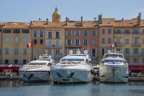 Transfert avec chauffeur privé entre Nice et Saint-Tropez